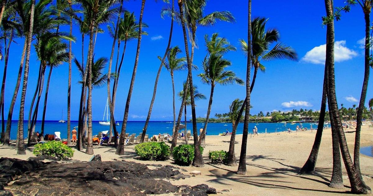 Anaeho'omalu Beach